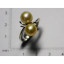 Anello in oro bianco e perle