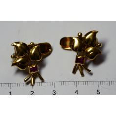 Set of earrings in yellow gold