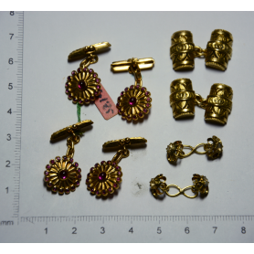 4 pairs of cufflinks for gentleman.