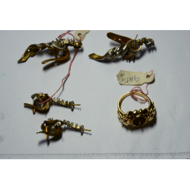 Lot of two sets of earrings and ring in gold