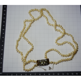 Necklace matinee with pearls baroque