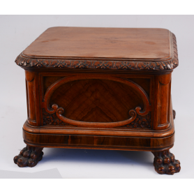 Pedestal de madeira mesa
