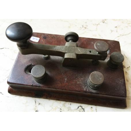 Vecchio telegrafo morse originale