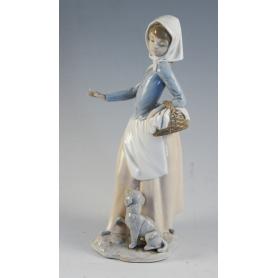 Figura dun campesiño en porcelana Nao