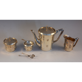 Game coffee service in silver