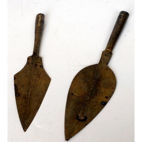 Lote de dos puntas de lanza africanas. S: XIX.