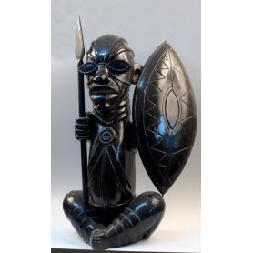 Figura de guerrero-cazador africano, con escudo y lanza.