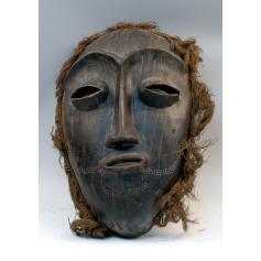 Máscara dan de rito ceremonial.