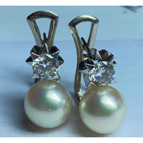 Set di orecchini in oro bianco di legge con brillanti, diamanti e perle