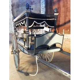 Cotxe. Funerari. De tracció animal. Al voltant de l'any:1930-40.