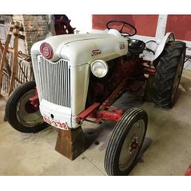 """Traktor FORD GOLDEN JUBILEE"""". Hälfte s.: XX."""