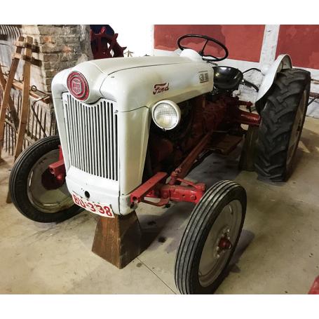 Tractor FORD XUBILEU de OURO. A metade s.: XX.