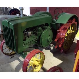 Tractor LANZ. Wheels iron. Half s.: XX.