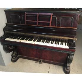 Gaveau. París. 1878. Piano cruz de madeira de pau-rosa.