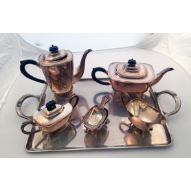 Tee-und Kaffee-set von 6 Stück. Silber-Gesetz.
