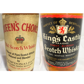Lot of:: Queen's Choice. 1960s. y king´s castle scotch whisky.
