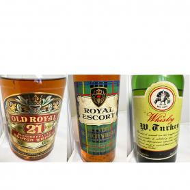 Lote de 3: Old Royal 21 years, Royal Escort, Wild Turkey. 70s-80s.