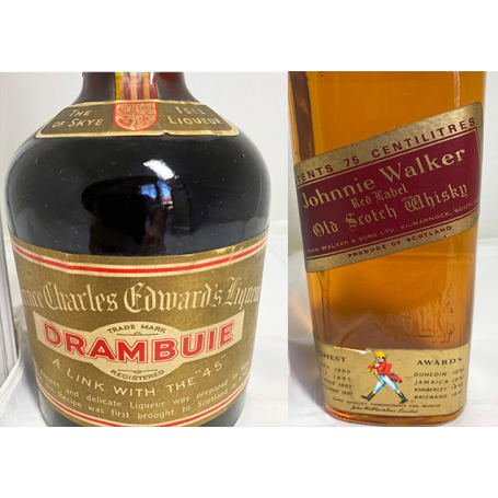 Lote de 2: Drambuie y Johnnie Walker Red Label. 50s-60s-80s.