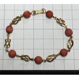 Armband aus 18 Karat Gold. und Koralle.