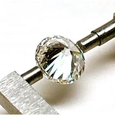 Diamant modern de talla brillant.